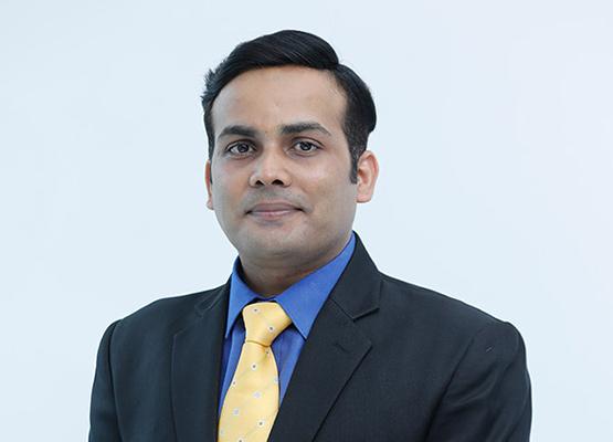 Dr-avin-Tiwari